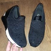 Черные кроссовки сникерсы носик в камнях в наличии