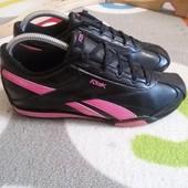 Крутые кроссовки кожа от Reebok, размер 37