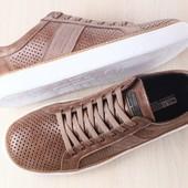 Код: 2576-1 Мужские кеды, из натуральной кожи, с перфорацией, коричневые, на белой подошве, на шнурк