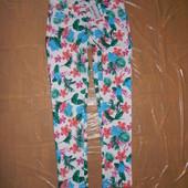 S-M-L, поб 46-50, укороченные джинсы скинни с цветочным принтом Esmara, Германия