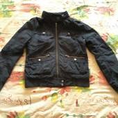 Куртка женская демисезонная фирма Divided размер 40