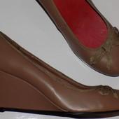 Кожаные женские универсальные туфли 40 р - Новые