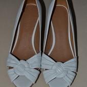 сток кожа 100% Большой выбор обуви разных размеров босоножки туфли