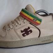 Фирменные кроссовки  американского бренда Ipath  США ( оригинал ) р.38-39 ( 24,5-25 см)