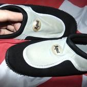Фирменние новие Тапочки для кораллов, аквашузы, обувь для плавания, дайвинга, серфинга Aqua 42.