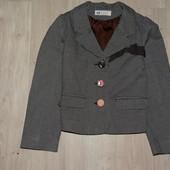 Пиджак на девочку возраст 4-5 лет в отл состоянии