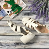 Модные сандалии gladiators на толстом резиновом каблуке  SH33019