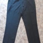 Легкие серые брюки 46