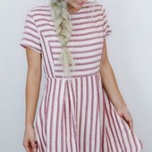 Стильное женское платье в полоску на лето
