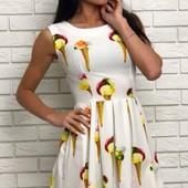 Стильное женское платье на лето с ярким принтом