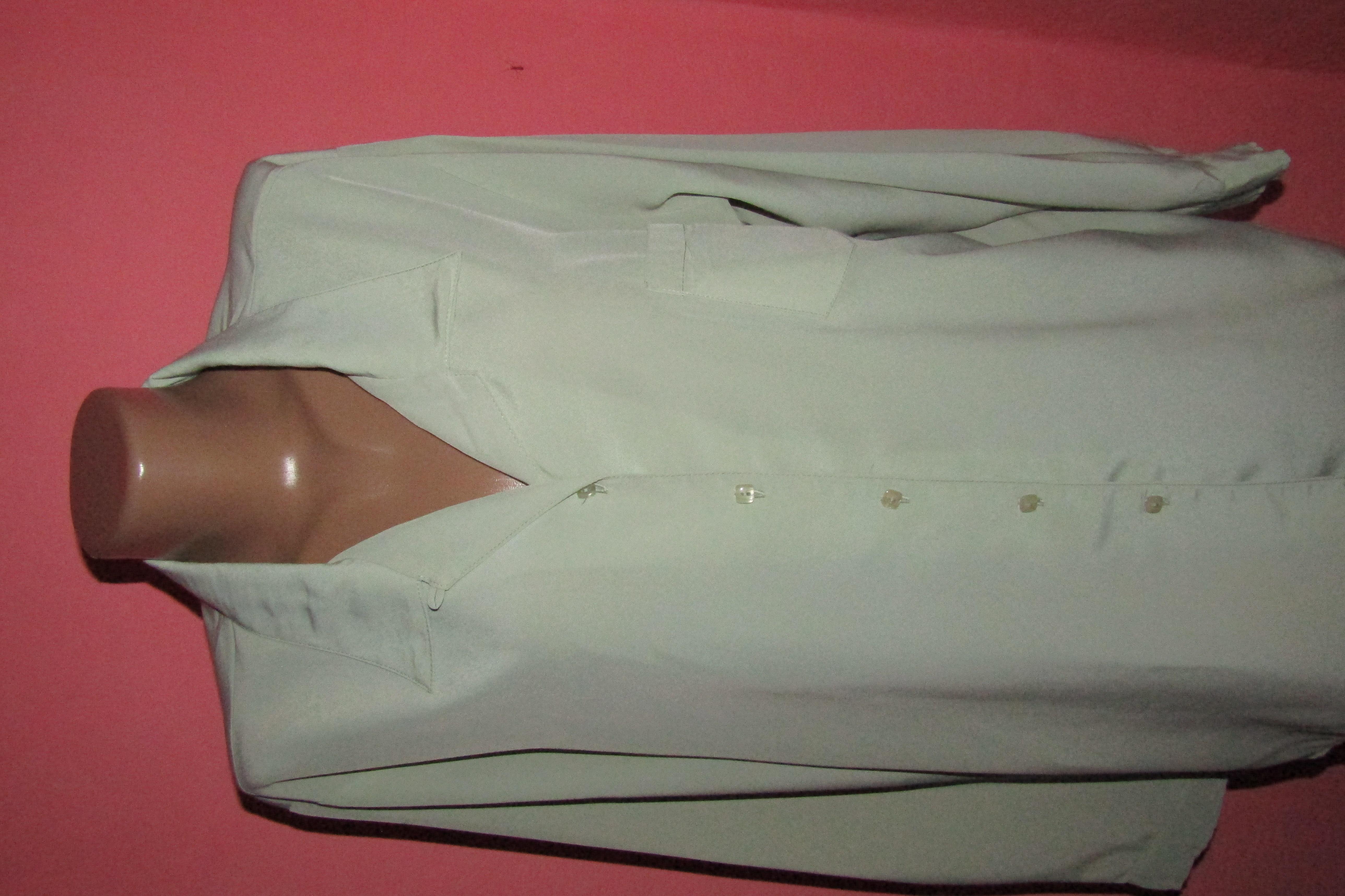блуза большой р-р(22) сост новой Berker