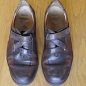 Туфлі шкіряні розмір 6 1/2 на 39 стелька 26,2 см Solidus