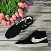 Классические мужские сникеры Nike с контрастной вставкой и белой подошвой   SH2560