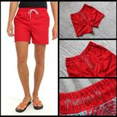 Cedar wood state.Красные пляжные шорты.