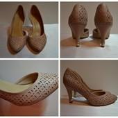 Стильные перфорированные Туфли