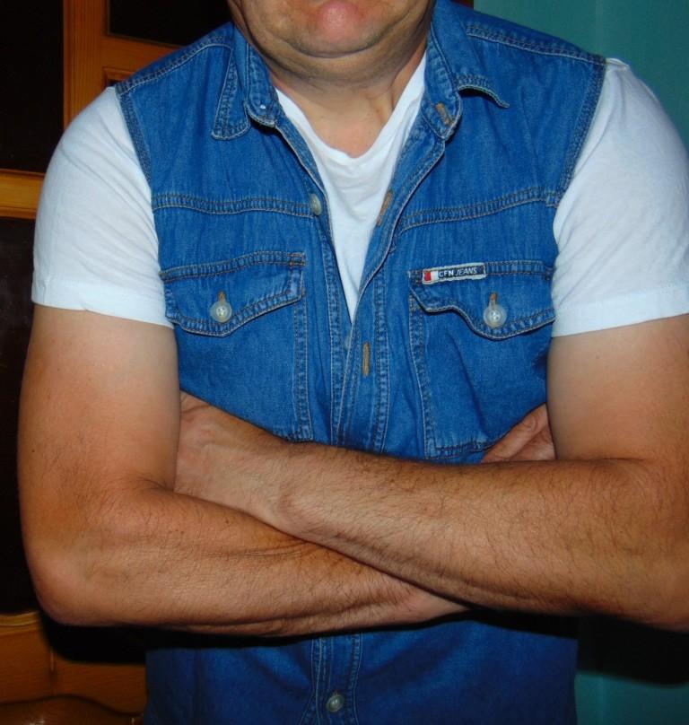 Стильная брендовая джинсовая жилетка New Jeans. Каліфорнія л .Унисекс . фото №1