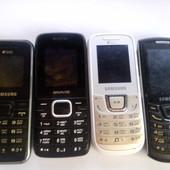 4 нерабочих телефонов,ц ена за всё