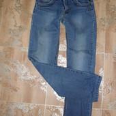 Фирменные джинсы узкие на подростка мужчину .Рост 150-160см