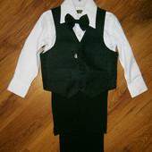 Костюм для мальчика 3-4 лет брюки рубашка жилет и бабочка