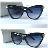Красивые женские солнцезащитные очки Chanel черные с жемчугом декор