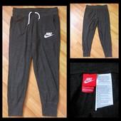 Фирменные штаны Nike, размер S