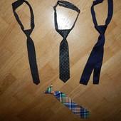 стильные галстуки на мальчика в отличном состоянии