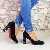 Черные туфли на широком каблуке эко замша 36,40 р