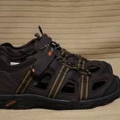 Легкие спортивные фирменные комбинированные сандали Karrimor Англия 43