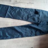Непррмокаемые штаны р.32 в отличном состоянии