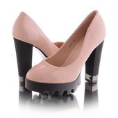 Стильные удобные женские туфли на высоком каблуке