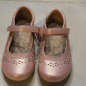 Красивые туфельки F&F новые р 29,30,31