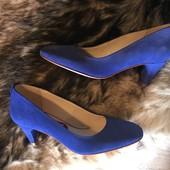Стильные замшевые синие туфли от San marina