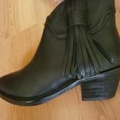 Новые кожаные ботинки Манго, Испания, размер 37 - стелька 23.5 см и размер 36 - стелька 23 см.