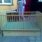 Кроватка детская с качественным матрасом