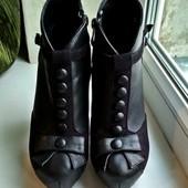 Ботинки от Sharman