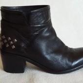 Кожаные брендовые ботинки Vera Pelle Bata p. 38-39 стелька 25 см