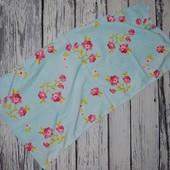 Фирменное яркое полотенце девочке в цветочек
