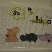 Противоскользящий коврик для ванной на присосках