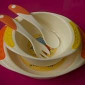 Набор детской посуды для кормления. Тарелка, мисочка, вилочка и ложечка