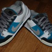 Кожаные кроссовки Nike 43 р оригинал отличное состояние