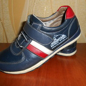Кожаные кроссовки туфли на мальчика 31 раз ( 19 см)