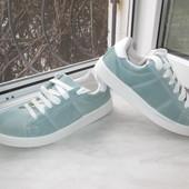 Итальянские замшевые кроссовки 39 р