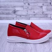 Женские слипоны туфли красные лаковые