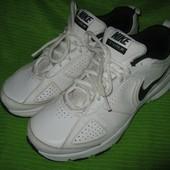 Кроссовки Nike,р.41 стелька 27см