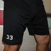 Спортивние фирменние шорти  Umbro л-хл .