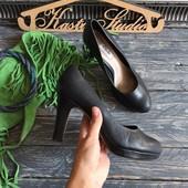 Комфортные кожаные туфли Clarks р-р 39