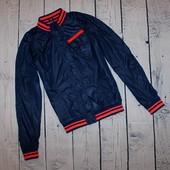 Очень красивая куртка, ветровка р-р М, или на 12-13 лет