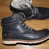 (i243)фирменные зимние ботинки 43 р Mustang