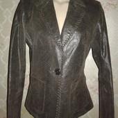 Женский кожаный пиджак. Размер 46-48.