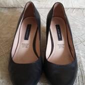 Кожаные туфли фирмы 5th Avenue p. 37 стелька 24 см